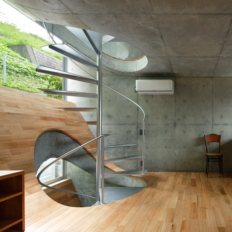 5 1 House in Byobugaura by Takeshi Hosaka dezeen sq